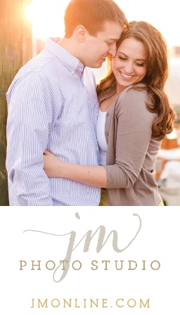 Upload one of your professional photos to the Basic Photo Foil Business Cards.