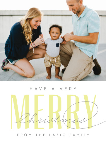 Very Merry has a modern festive design! With it's clean lines and unique design you are sure to impress your family and friends this holiday season.
