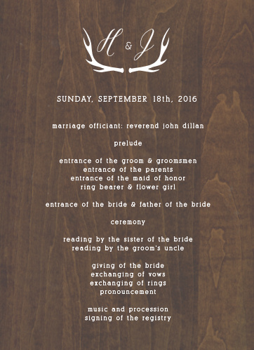 A gorgeous, printed woodgrain background and an illustrated pair of antlers add countrified elegance to the Rustic Wood Wedding Invitations.